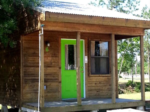 Medium Cabin
